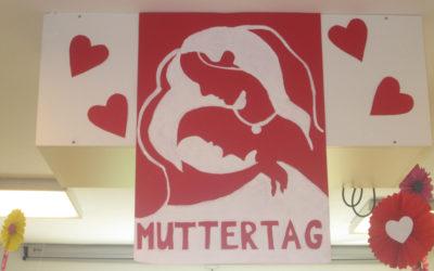 Muttertagsfeier im Pflegeheim
