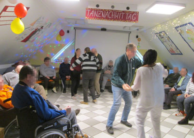 Tanznachmittag im Pflegeheim Beer